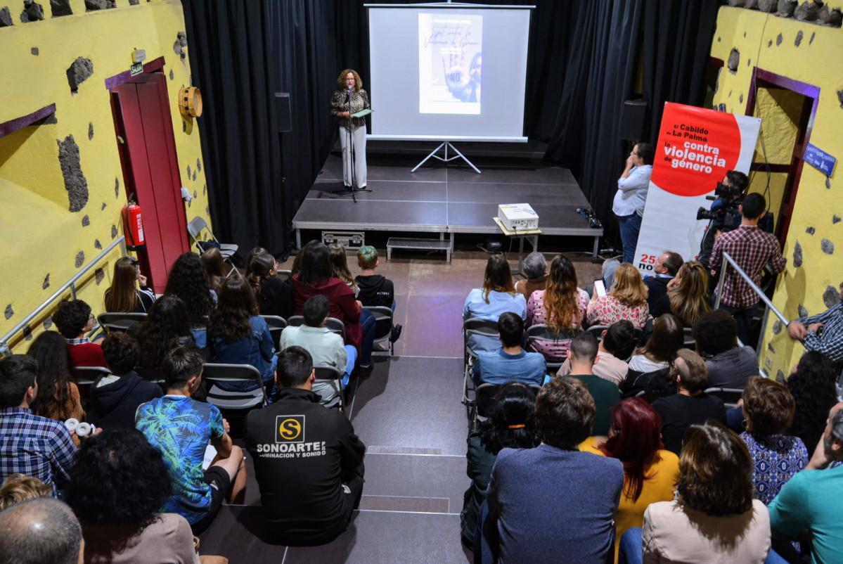 Resultado de imagen de El Cabildo otorga el primer premio del concurso de spots contra la violencia de género a un grupo de jóvenes de Los Llanos de Aridane
